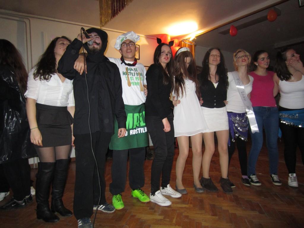 Kad Salvador Dali uzme mikrofon u svoje ruke i mačke pjevaju