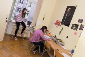 učenički dom | učenice uče