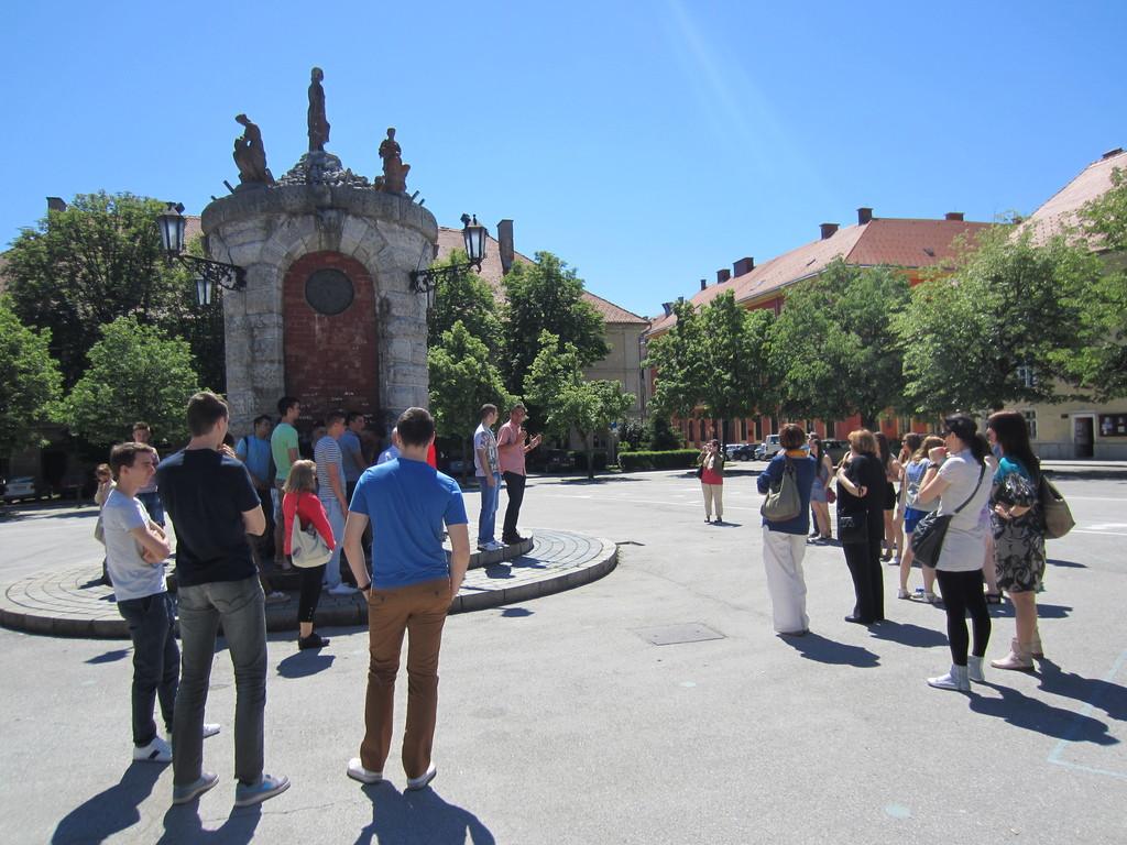 Kod Gradskog bunara u Karlovcu s domaćinom Edom