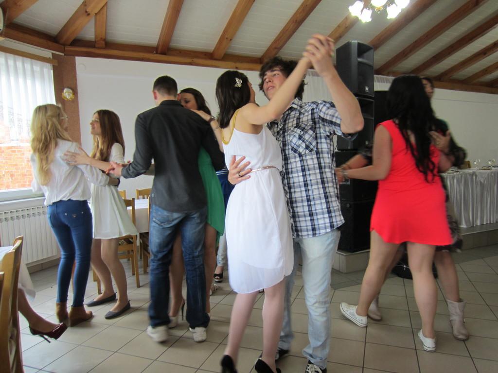 Prvi ples u Feniksu